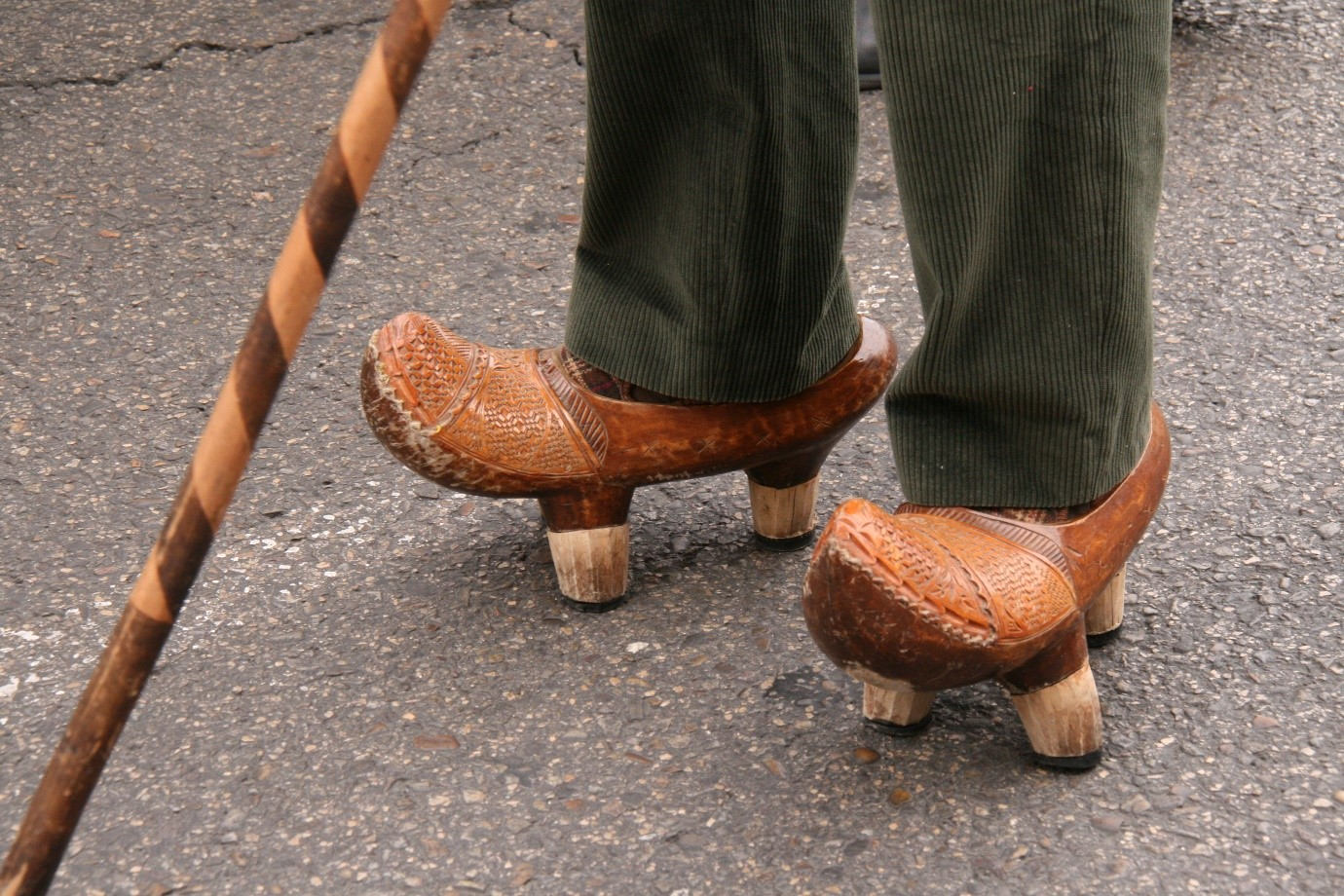 HIIT gets rid of clogs and improves heart health (image: a pair of clogs)